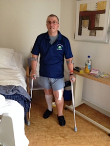 Les - on his feet and on his way back!